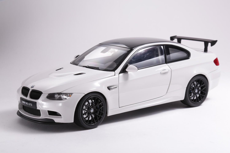 BMW M3 GTS - 08739W - ALPINE WHITE