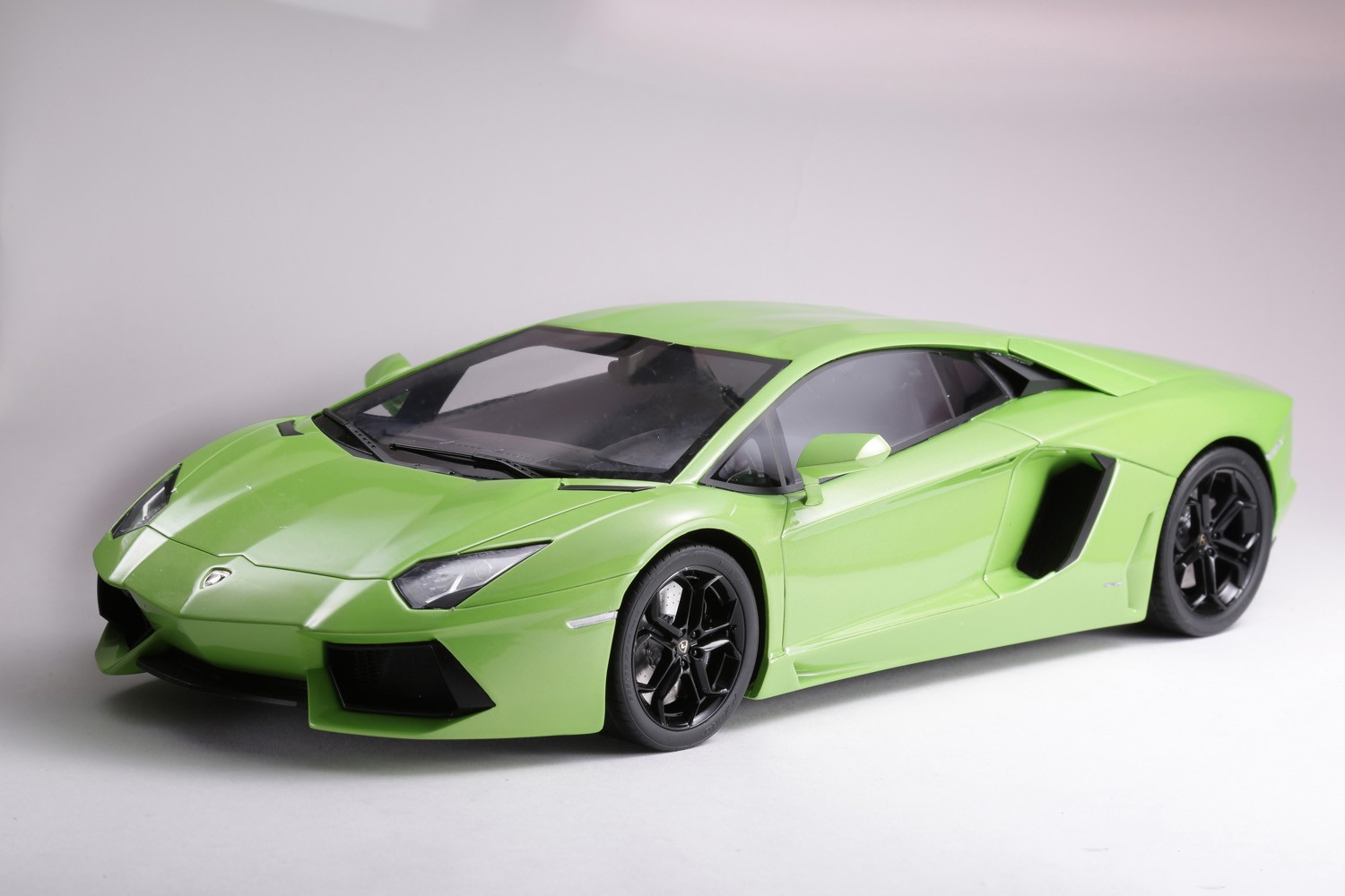 LAMBORGHINI AVENTADOR LP 700-4 - KSR08661GR - LIGHT GREEN
